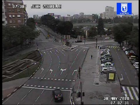 Traffic in Plaza de Juan Zorrilla