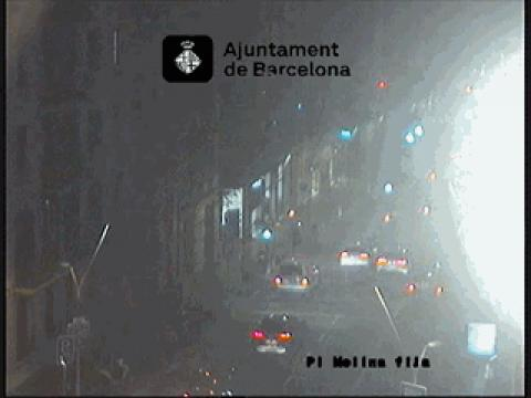 Traffic in Pl. Molina, Balmes sentit Mar