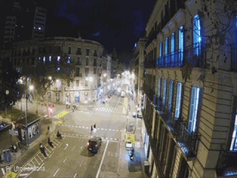Traffic in Plaça Urquinaona