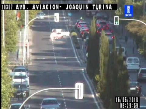 Traffic in Av. Aviacion – Joaquin Turina