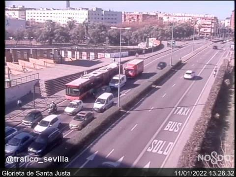 Traffic in Glorieta de Santa Justa