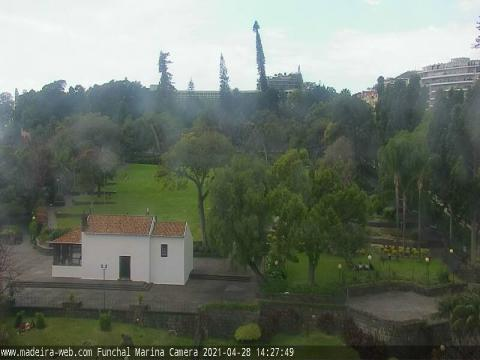 Madeira Webcam, Park and Fountain