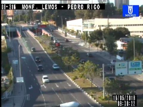 Traffic in Montforte de Lemos – Pedro Rico