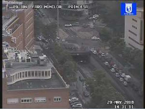 Traffic in Moncloa – A – 6 2