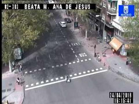Traffic in Plaza Beata María Ana de Jesús