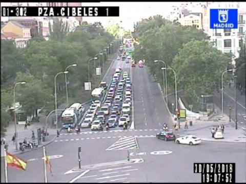 Plaza Cibeles Traffic